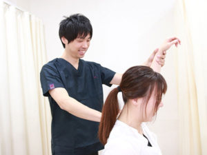 肩こりの検査の様子